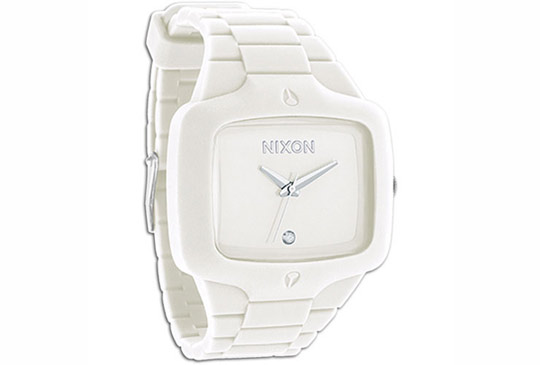nixon-white-rubber-player